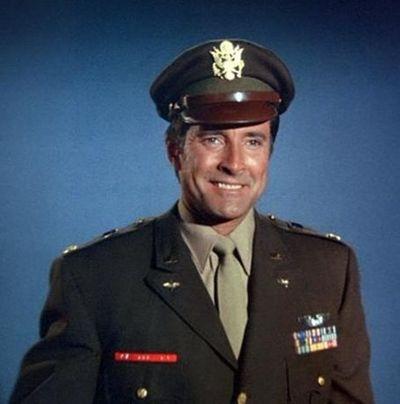 Lyle Waggoner as Steve.