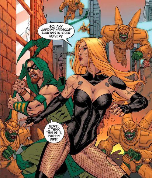 Black Canary and Green Arrow defend Gotham City against Parademons