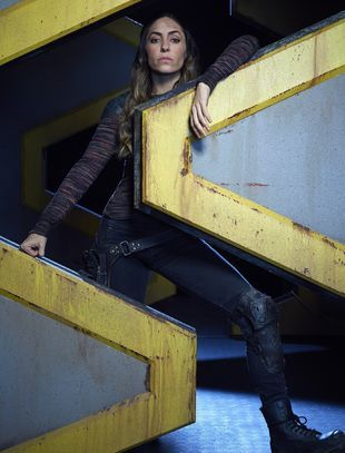 Natalia Cordova-Buckley as Elena