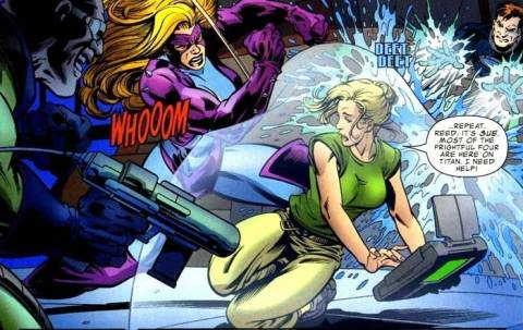 Titania hammers away at Sue Storm's force field