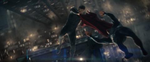 General Zod vs Superman in Metropolis