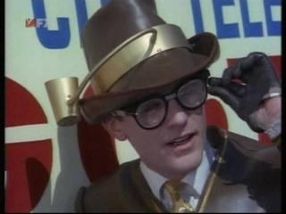 Roddy McDowell as Bookworm.