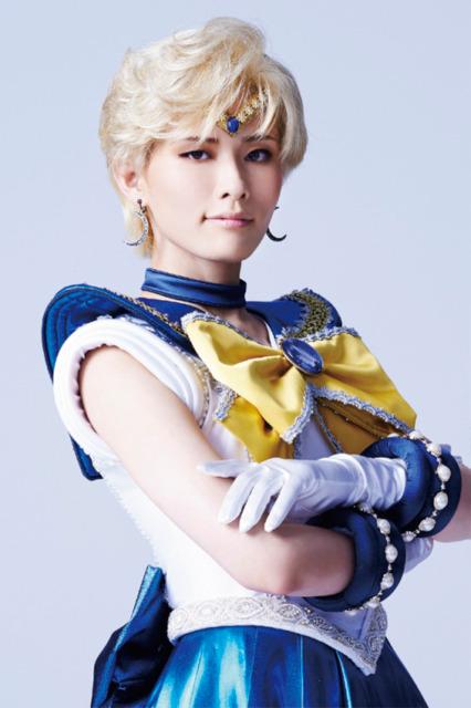 Shuu Shitsuki as  Sailor Uranus