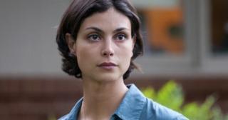 Morena Baccarin as Leslie Thompkins