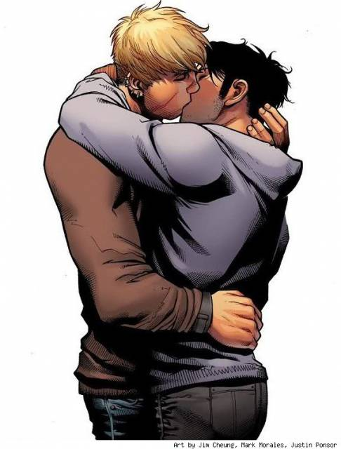 Wiccan and Hulkling's first on panel kiss in Children's Crusade