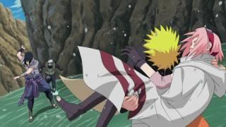 Nauro saves Sakura from Sasuke