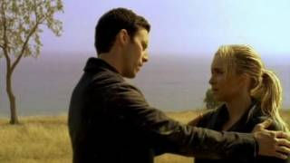 Claire asks Peter if he can teach her how to fight.