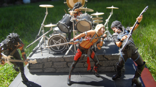 Awesome Toy Picks: Young Justice And...Mötley Crüe