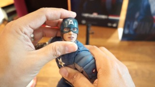 Hands On: Captain America (Golden Age) Sixth Scale Figure from Hot Toys